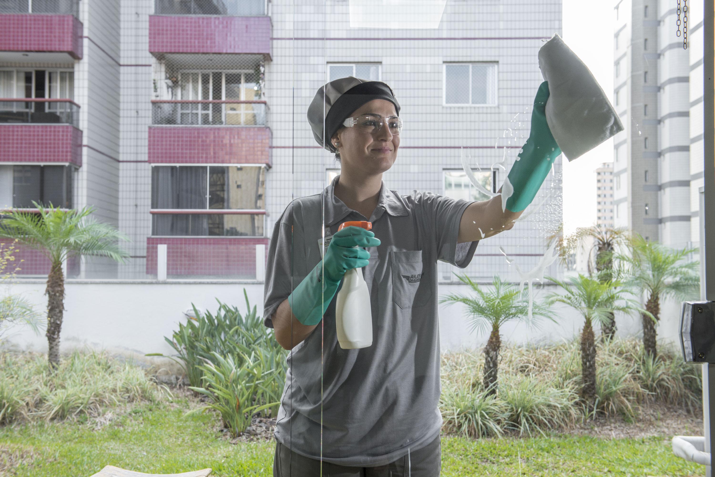 Cronograma pode ajudar na limpeza de um condomínio